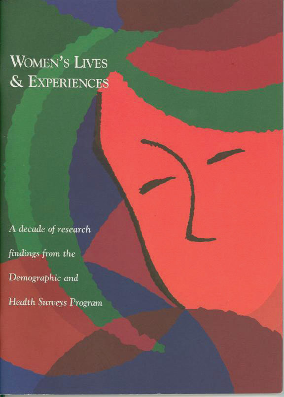 Cover of Women's Lives and Experiences (English)